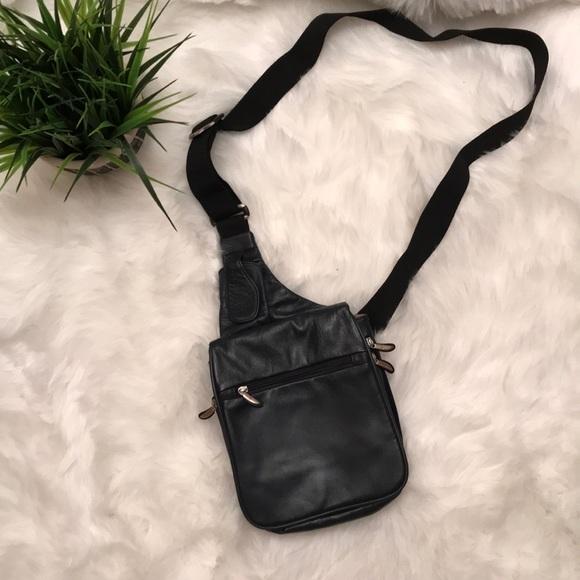 Travelon Crossbody Bag. M 5ac6cd78a825a6c9e55e87b1 de70d4c830